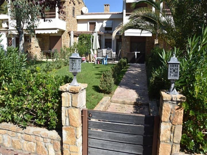 Villa Konstantina with Private Yard near the beach