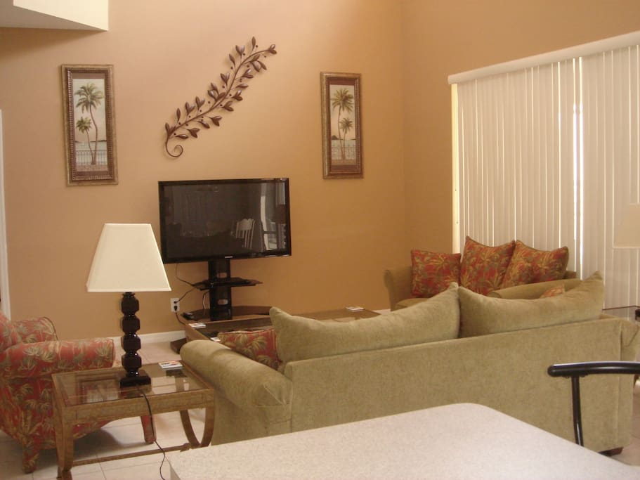 Family Room - Designer furnishings, Large Flat Screen TV, HD Cable, Sofa Bed