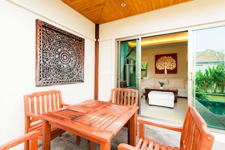 3 Bedroom Pool Villa, Nai Harn - Mueang Phuket - Villa