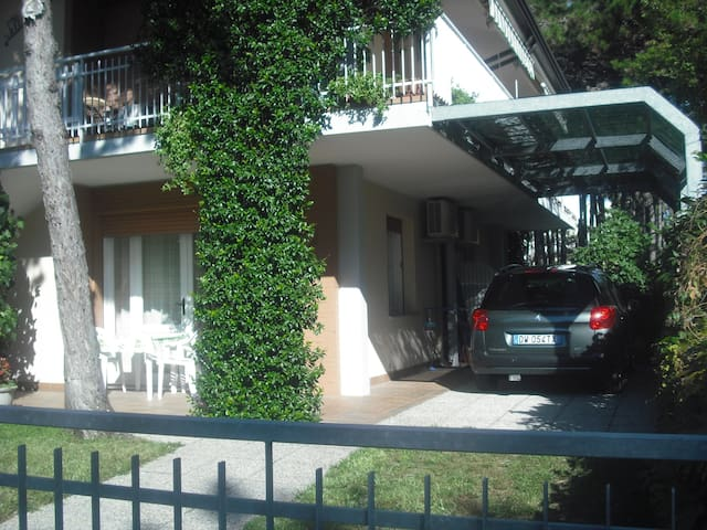 Villa multlipa:giardino privato