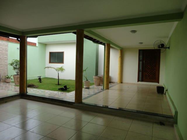 Casa linda e espaçosa no Dalla Costa - Araras