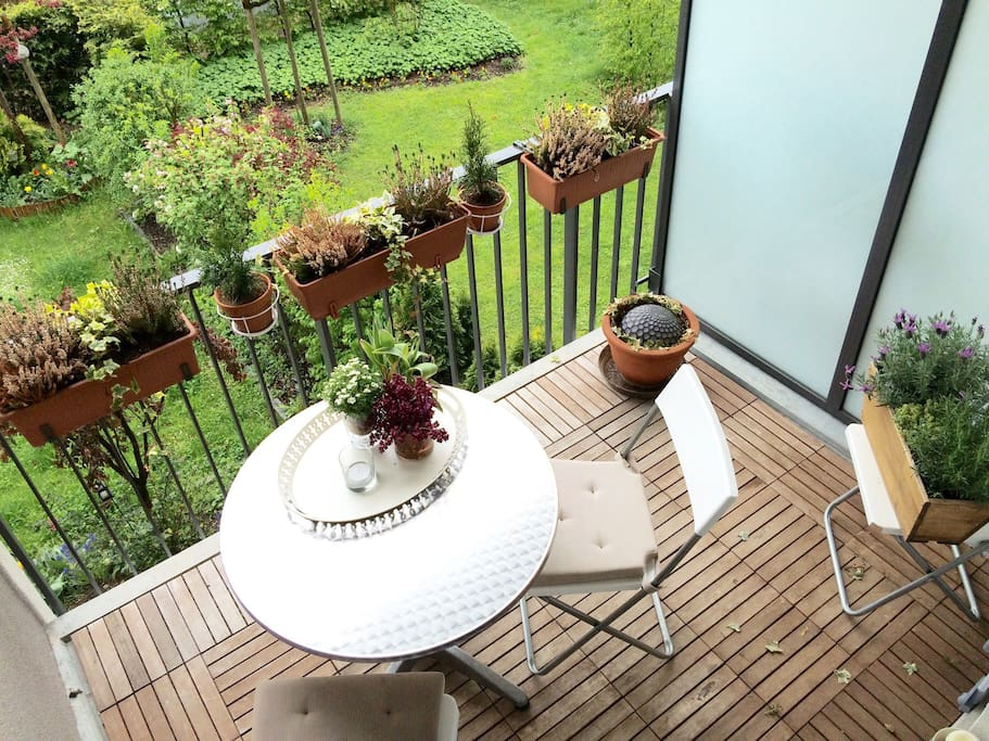 sch nes apartment mit balkon wohnungen zur miete in m nchen bayern deutschland. Black Bedroom Furniture Sets. Home Design Ideas