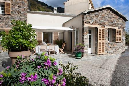 Superbe maison rénovée de village - Cervione - Casa