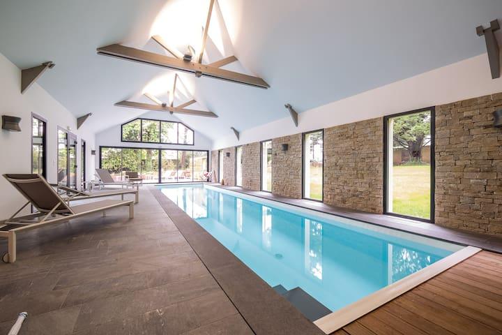 chambre Soling , piscine , sauna, - Quéven - Bed & Breakfast