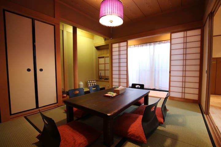 Kamishichiken. 4BR+1L 100sqm. 10ppl