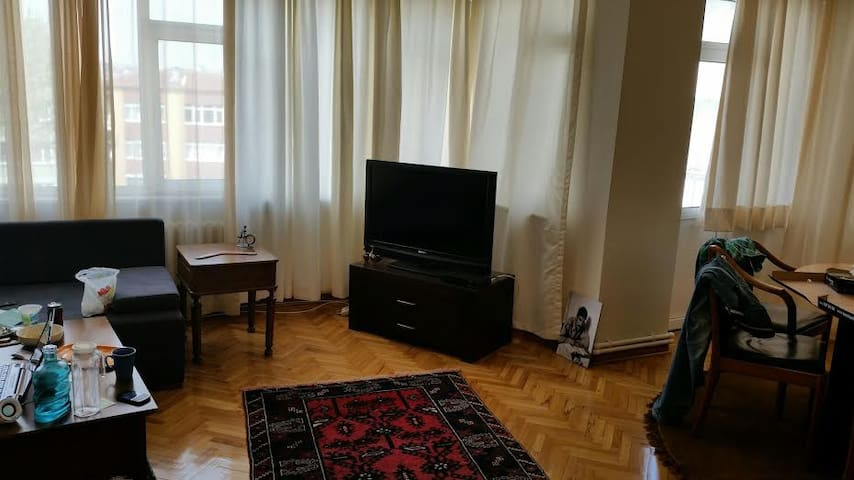Sunny room central location - İstanbul - Apartment
