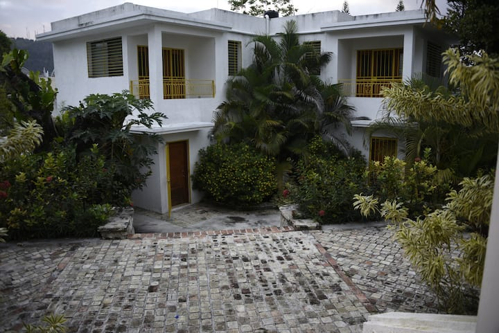 Townhouses in a Peaceful and quiet gated complex 2