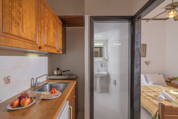 Cozy Apartment with garden or pool view