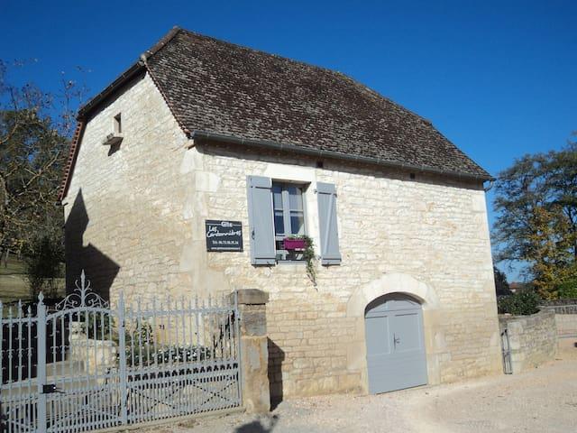 """Gîte """"les plus beaux villages de France"""""""