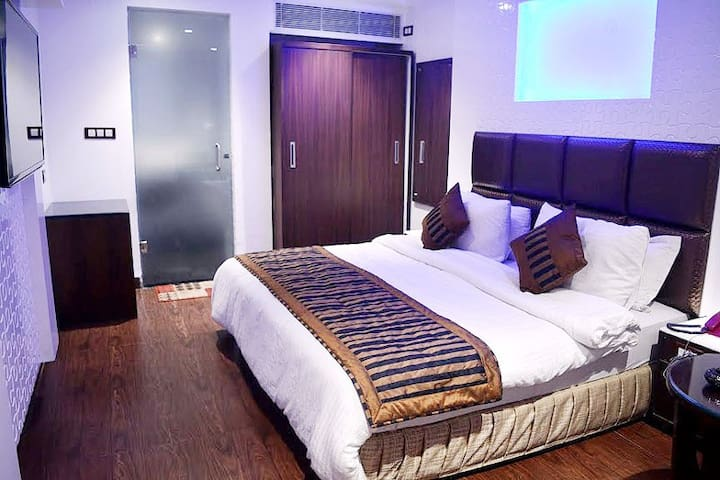 Executive Room - New Delhi - Bed & Breakfast