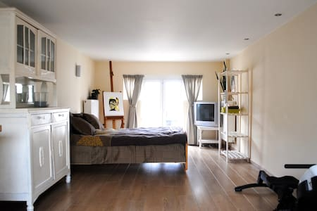 Spacious studio near Bruges / Ypres - Roeselare - Dům
