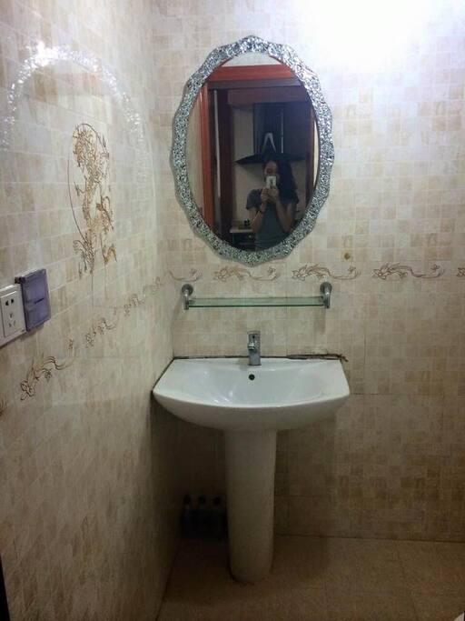 卫浴设施良好