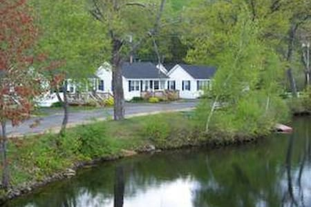 2 Bedroom Cottage With Dock - Tilton - Kabin