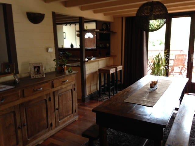 grande maison proche Bordeaux - Castres-Gironde - Huis