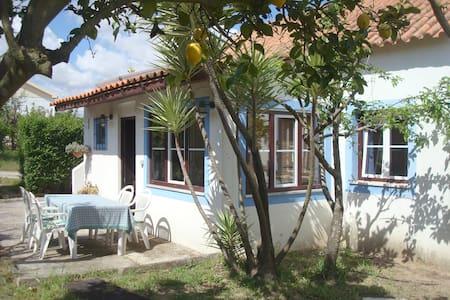 Nice Country Cottage near Palmela - Pegarias de Baixo