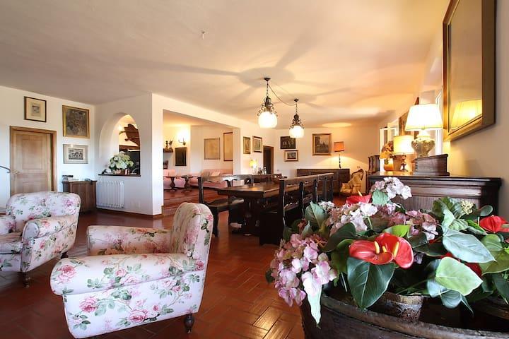 Villa con piscina 5 camere da letto - Porta A Colle - Bed & Breakfast