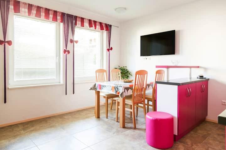 Apartmaji manglc-pink apartment