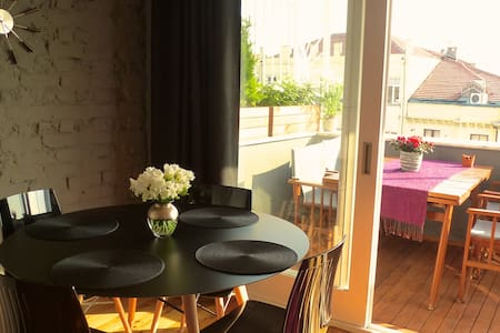 Private terrace, charm & views! - İstanbul - Loft