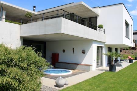 Moutier, Design studio in villa - Bed & Breakfast