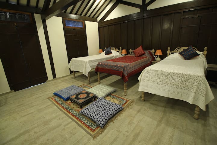 'Large Triple Bed' with large bath - Heritage home