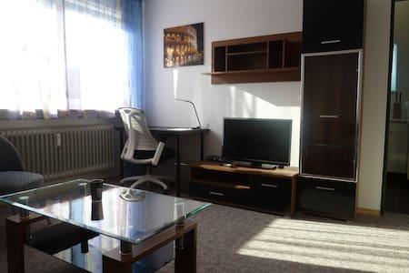 Voll möbliertes 1-Zimmer Apartment - Apartamento