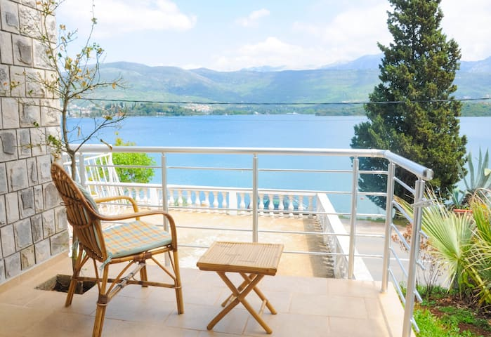 Rent luxurious apartment Maja - Tivat - Apartemen
