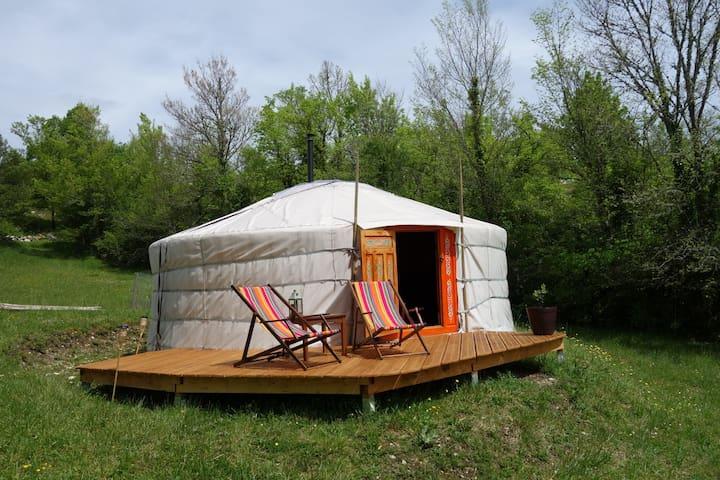 Yourte proximité de St Cirq Lapopie - Esclauzels - Yurt