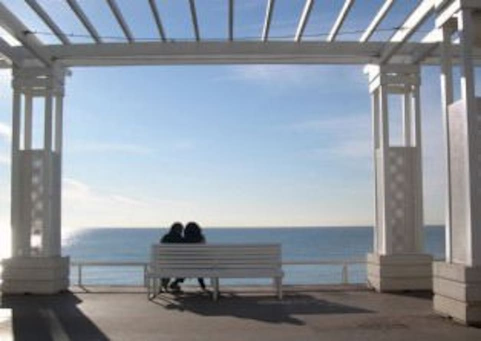 Cosy for two, overlooking Nice bay - Promenade des Anglais
