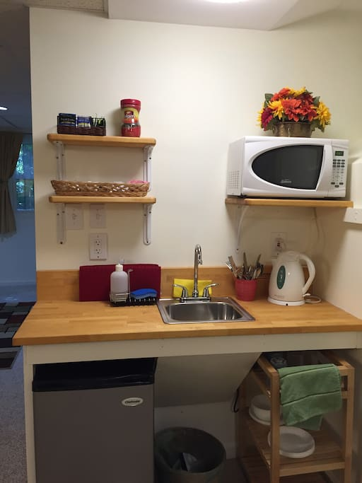 Kitchenette with coffee and tea
