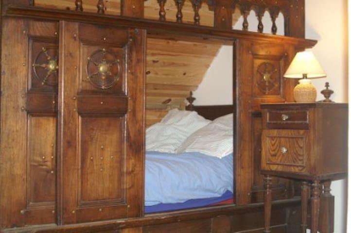 maison typique bretonne et phare - Penmarch - Dom