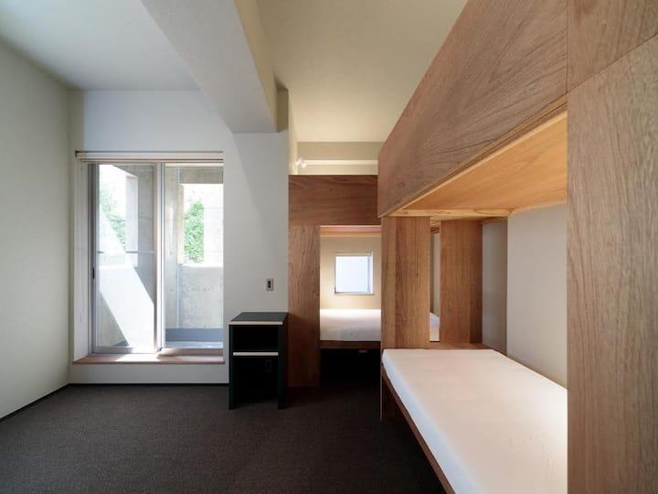5mins->Hakata Station/Deluxe quadruple room/NoMeal