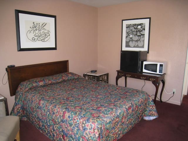 Motel Rm $390 wk /free wifi and parking