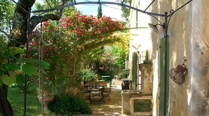 Gite provençal à la campagne