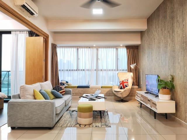 4Pax TheLeafz KualaLumpur Bandar Tasik Selatan O01
