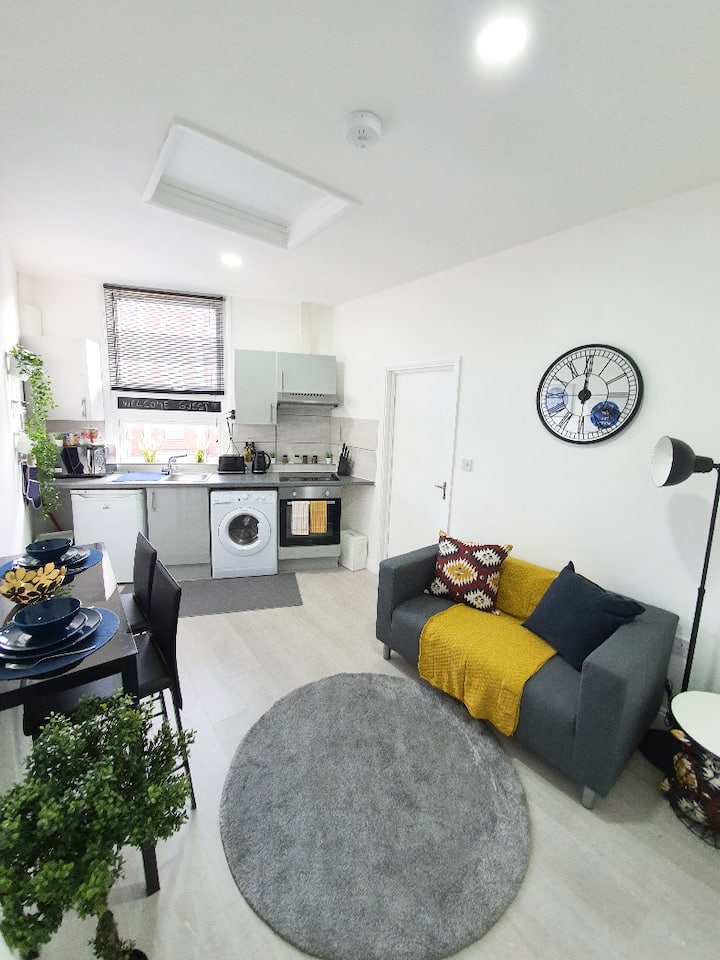 1 BEDROOM FLAT- ALL TO YOUR SELF