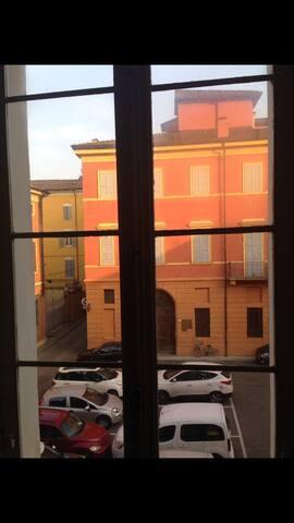 Stanza privata in centro a Modena