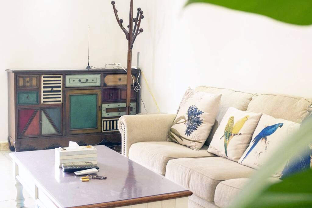 沙发、鞋柜、衣架,舒适便利
