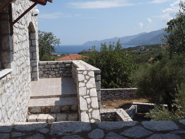 Villa Diotima (200m from the sea) - Egaleo - Willa