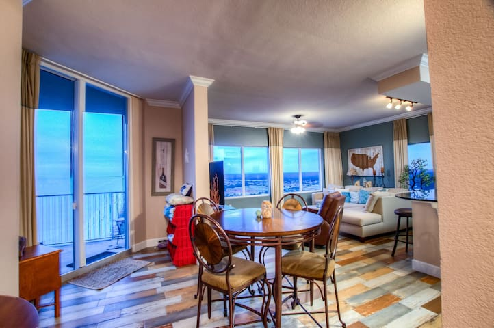 Tidewater 3000- Spacious 2BD Condo with Amazing Ocean Front View By ZIA!