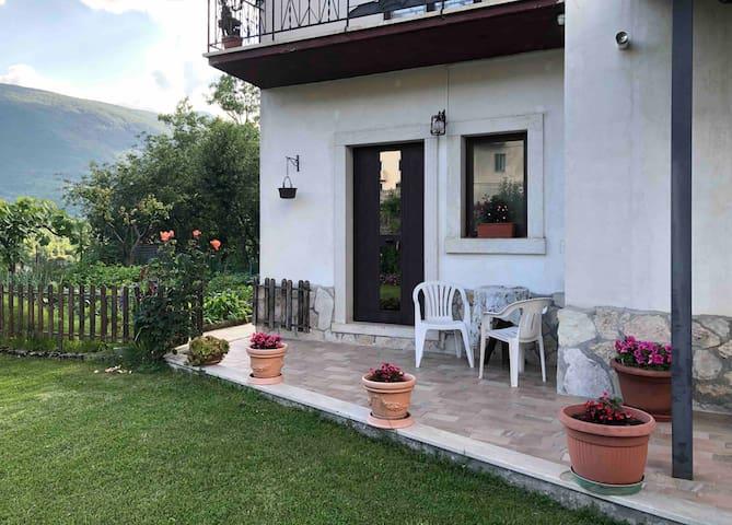 """Patrizia House: Monolocale """"il pettirosso"""""""