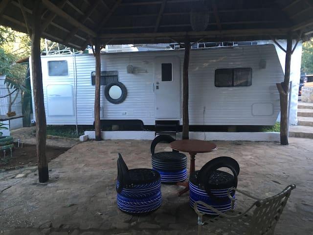 Casa Rodante 3 en la Ecoaldea Ojo del Cielo - Nayarit - Camper/RV