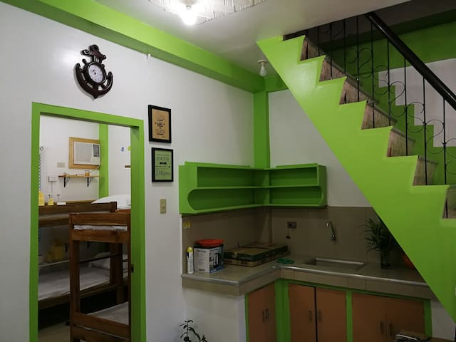 2 BR Apartment Hostel for Family & Backpackers