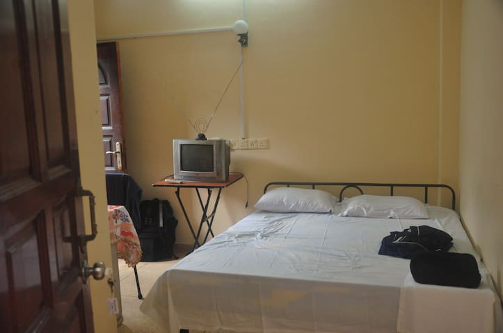 A/C Double Room - Colombo - Apartamento