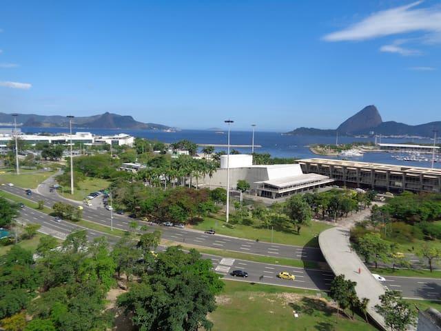 COBERTURA DE FRENTE PARA O PÃO DE AÇÚCAR