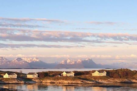 Superior Cottage with Sea View in Senja Norway - Skrollsvika - Chatka