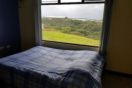 Watch the sunrise from bed! 5 min from airport - Río Segundo