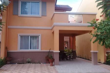 Nicee's House Camella