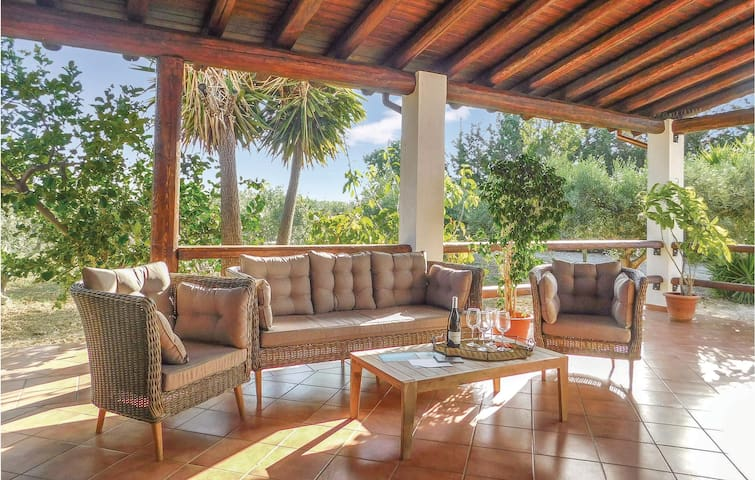 Holiday cottage with 3 bedrooms on 110m² in Menfi AG