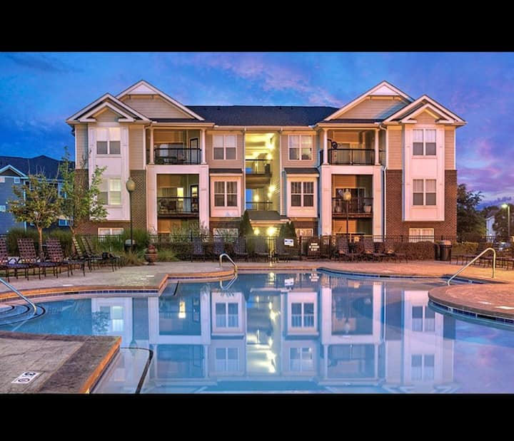 New 2 bedroom explicit Northlake Mall