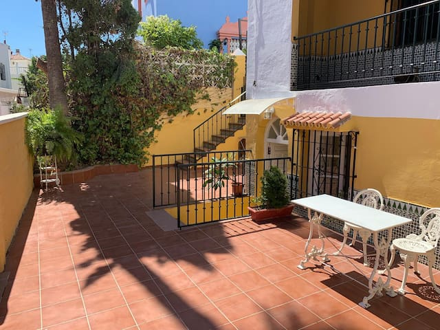 Lovely Apartment Beramendi Close to Beach with Terrace & Wi-Fi